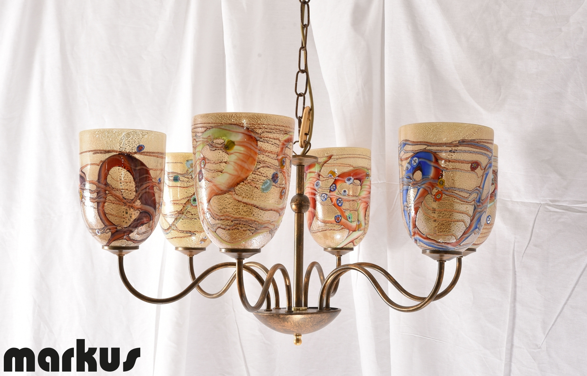 Sostituire Plafoniera Con Lampadario : Lampadario color bronzo con paralumi in vetro luci rivolte su