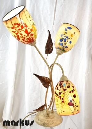 Lampada da tavolo edera con tre paralumi in vetro di Murano.