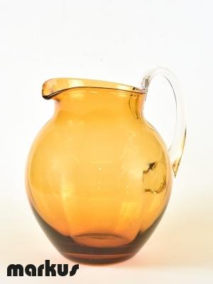 Caraffa color ambra in vetro di Murano.