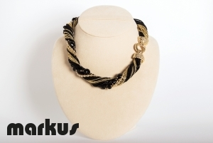 Dany 9 Glass necklace