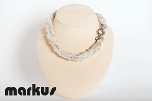 Dany 13 Glass necklace