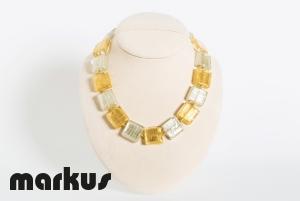 Collana in vetro colore oro bianco e oro giallo, perle quadrate